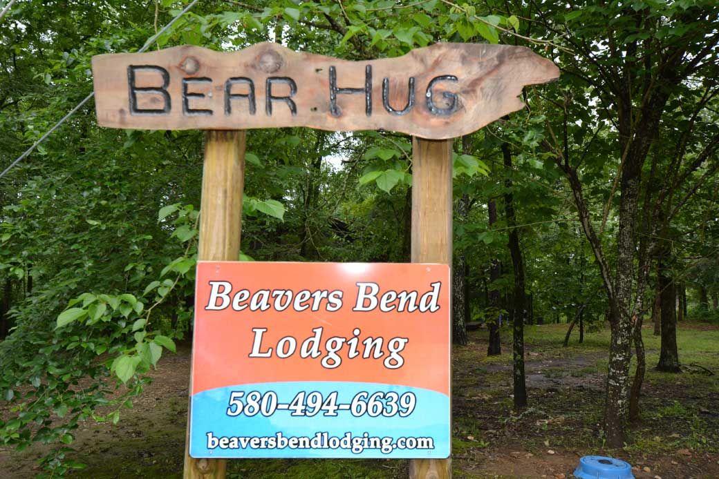 Bear-Hug-Cabin01