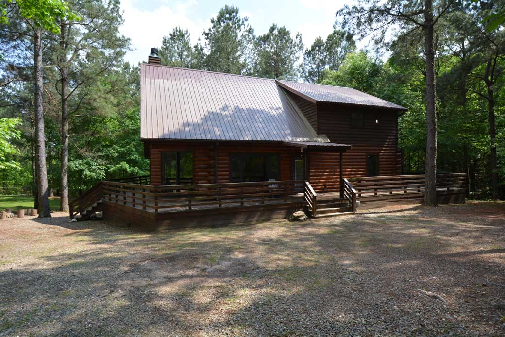 Photo gallery bird house cabin rentals beavers bend for Bend cabin rentals