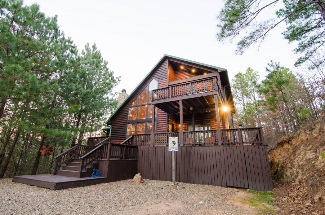 Photo gallery cliffhanger cabin rentals beavers bend for Bend cabin rentals